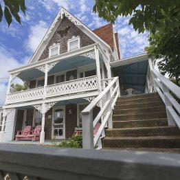 Gothic-Inn-1606291391