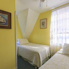 Room7-1610111228